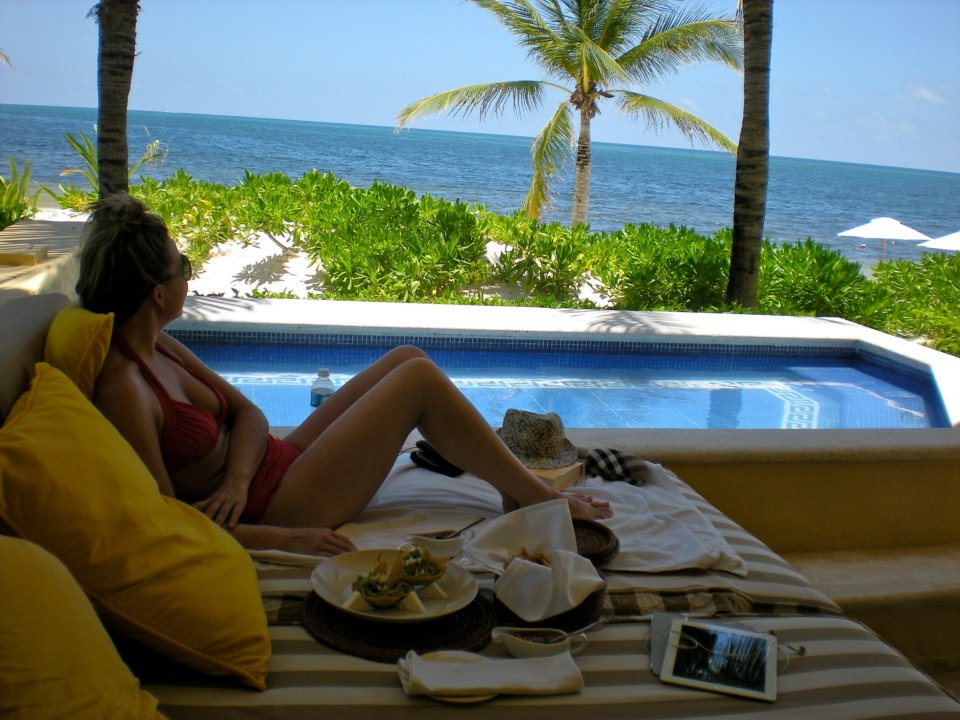 Poolside with ocean view Zoetry Paraiso de la Bonita, All inclusive honeymoon, boutique, top honeymoon destination, beach